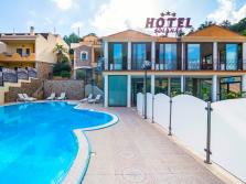 Hotel Solanas • Sardegna